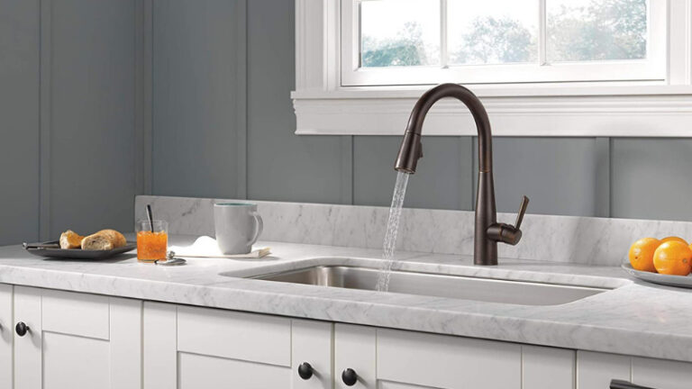 10 Best Faucet For Farmhouse Sink – Which is the Right One?