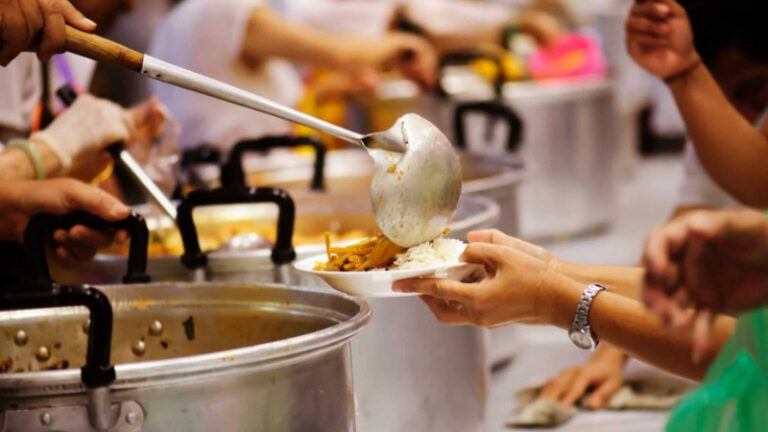 How Do Soup Kitchens Help The Community?