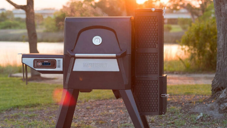 10 Best Electric Smokers With Automatic Feeders in 2021 – Reviews