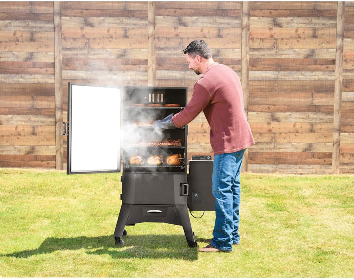 Electric Smokers With Automatic Feeders